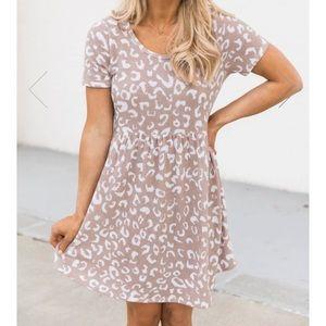 Pink Lily Medium Giraffe Print Dress